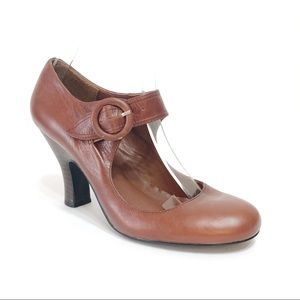 Steve Madden Brown Mary Janes with Heel Size 8.5